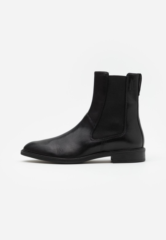 Vagabond classic ankle boots