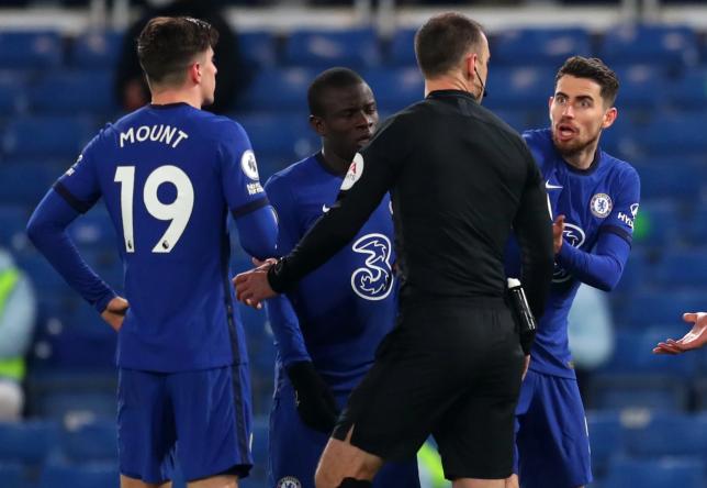 Mason Mount, N'Golo Kante and Jorginho look on during Chelsea's Premier League clash with Aston Villa