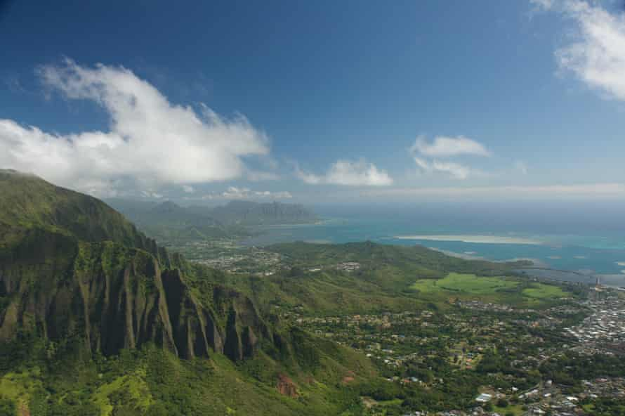 The view of Kāneʻohe Bay from the Haiku Stairs.