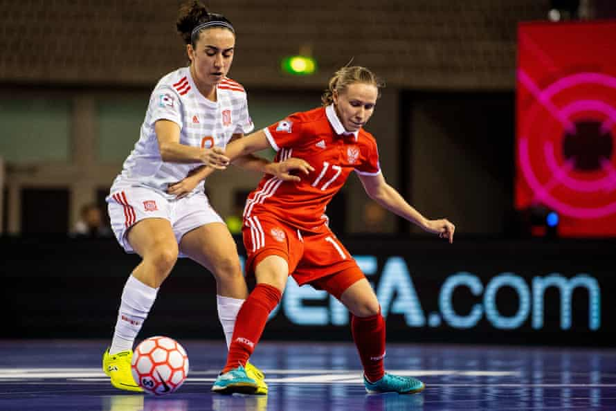 Spain's Vanessa Sotelo (left) and Russia's Dina Danilova in action during the women's Euros in 2019.