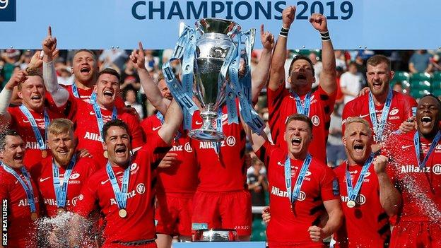 Saracens celebrate with the Premiership trophy in 2019