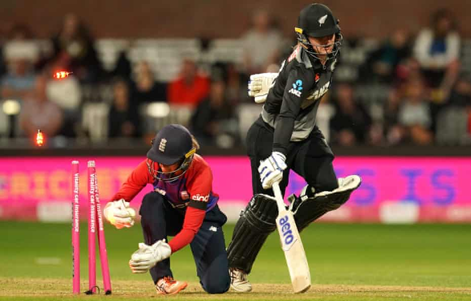 New Zealand's Brooke Halliday survives a run out attempt.