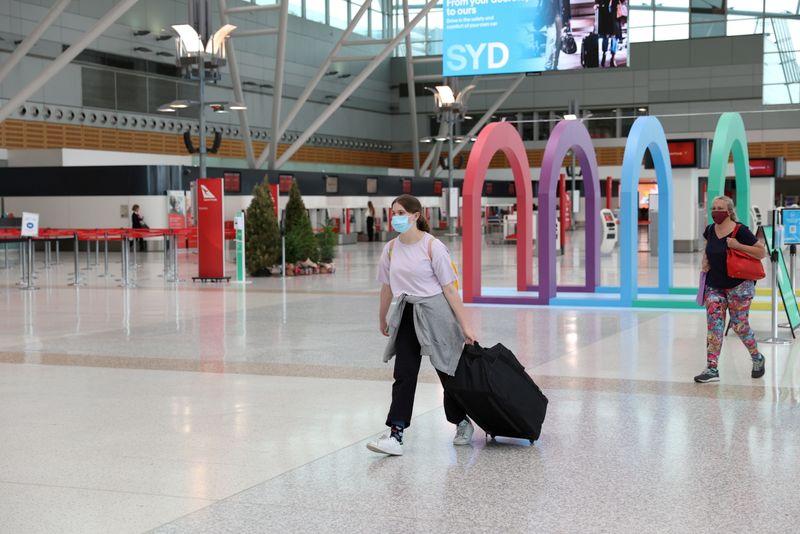 Sydney Airport sale a step closer after improved $17.4 billion offer