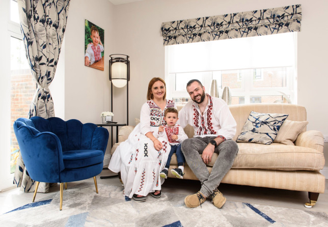 Ovi and Ionela Toderika and their son in their new home at Shanly Homes Merchants Place development Aylesbury. 26.6.21 ??Richard Eaton 07778 395888