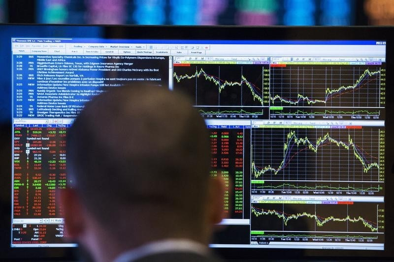 © Reuters.  Asia shares in waiting mode ahead of Fed, ECB events