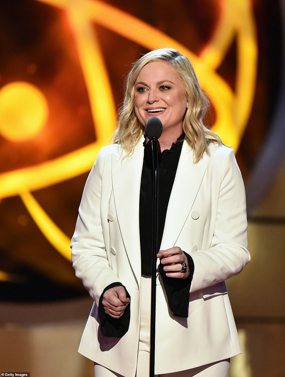 Surprise! Judge Judy super-fan Amy Poehler was the surprise celebrity guest at the show to present the star with a Lifetime Achievement Award