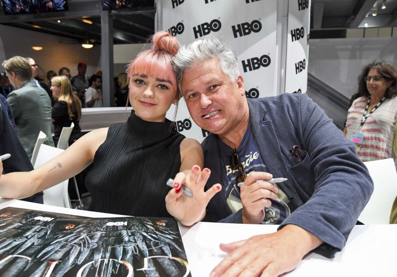 """SAN DIEGO, CALIFORNIA - JULY 19: Maisie Williams (L) and Conleth Hill at """"Game Of Thrones"""" Comic Con Autograph Signing 2019 on July 19, 2019 in San Diego, California. (Photo by Jeff Kravitz/FilmMagic for HBO)"""