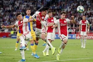 Edson Alvarez scores the first goal for Ajax.
