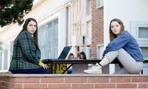 Beanie Feldstein and Kaitlyn Dever in Booksmart