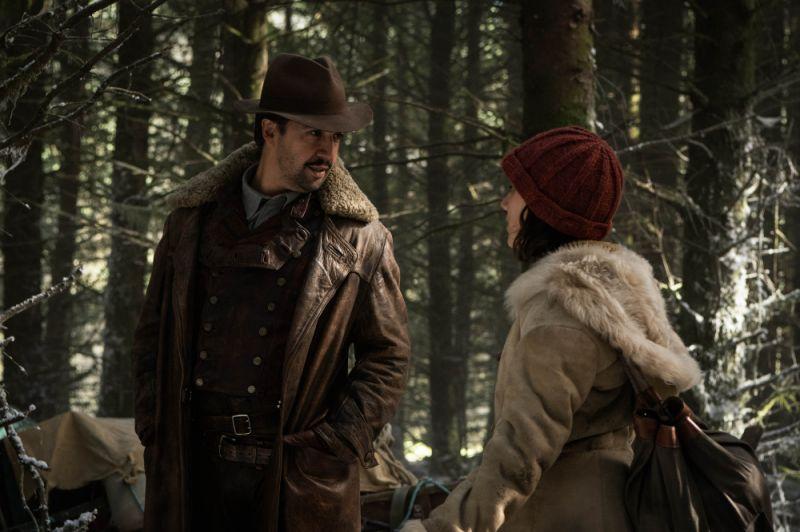 Lee Scoresby (LIN-MANUEL MIRANDA), Lyra Belacqua (DAFNE KEEN) - (C) Bad Wolf - Photographer: Alex Bailey