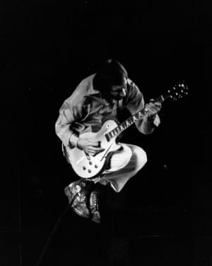 Pete Townshend on stage