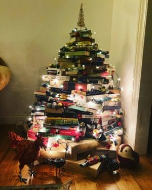 The book Christmas tree.