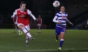 Vivianne Miedema scores for Arsenal against Reading.