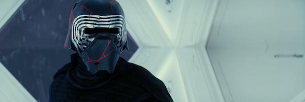 rise-of-skywalker-kylo-ren-helmet