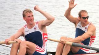 Matthew Pinsent and Steve Redgrave win gold in Atlanta