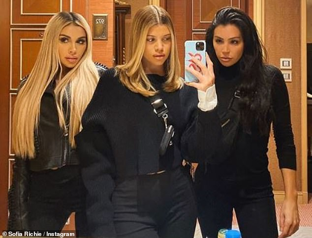 Serving looks: The ladies served looks as they posed for a mirror selfie the next day before heading back to the music festival