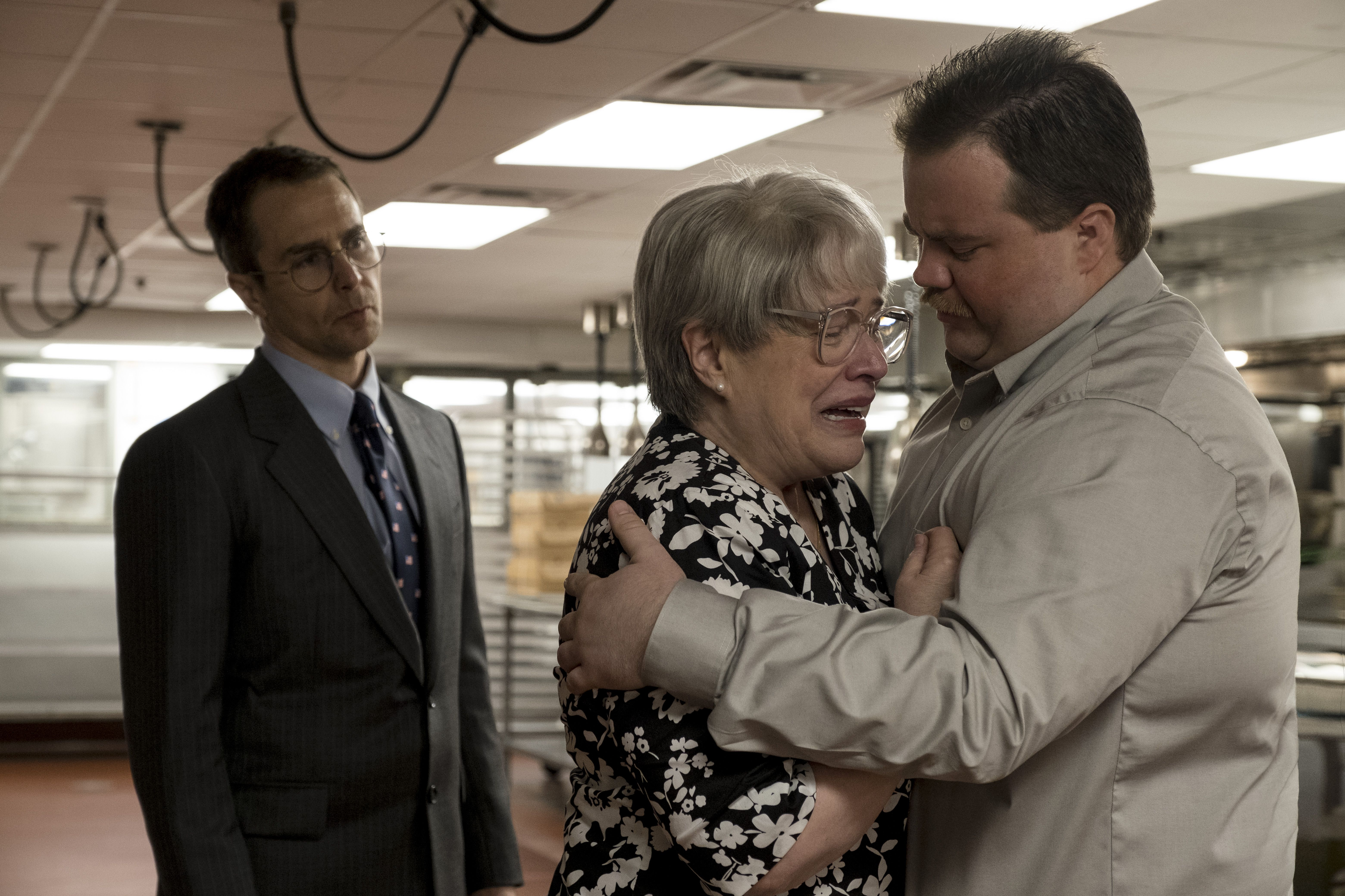(L-r) SAM ROCKWELL as Watson Bryant, KATHY BATES as Bobi Jewell and PAUL WALTER HAUSER as Richard Jewell in Warner Bros. Pictures' <i>RICHARD JEWELL</i>, a Warner Bros. Pictures release. (© 2019 WARNER BROS. ENTERTAINMENT INC.)