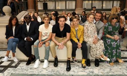 Anna Wintour attends the Victoria Beckham show during London fashion week in September 2019 with Emmanuelle Alt, Edward Enninful, Romeo Beckham, Brooklyn Beckham, Cruz Beckham, Harper Beckham and David Beckham.