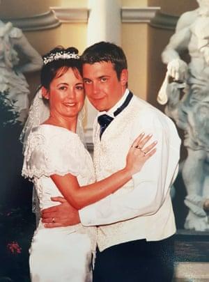 Anita and Jason Lund on their wedding day