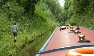 Testing boat versus walking speed in an overgrown cutting on the Shropshire Union canal.