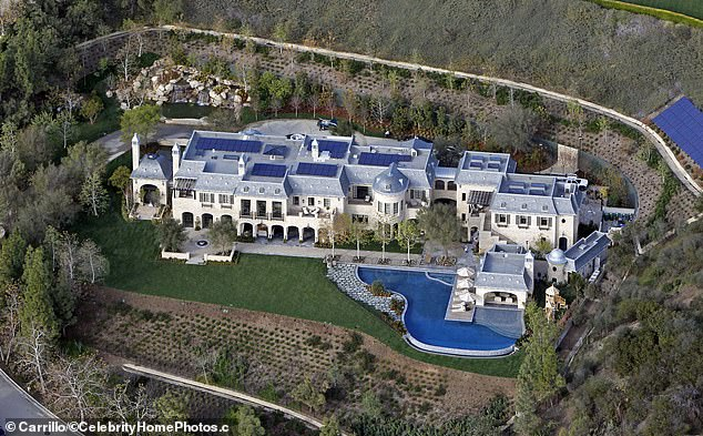 Sprawling: Dre bought the estate in 2014 fromits previous owners, NFL player Tom Brady and supermodel Gisele Bundchen