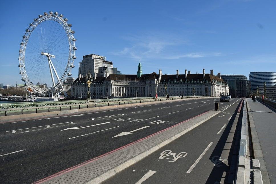 A deserted Westminster Bridge