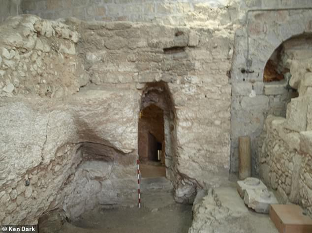The plan of the building, it floor and the associated objects suggest that this was a domestic structure