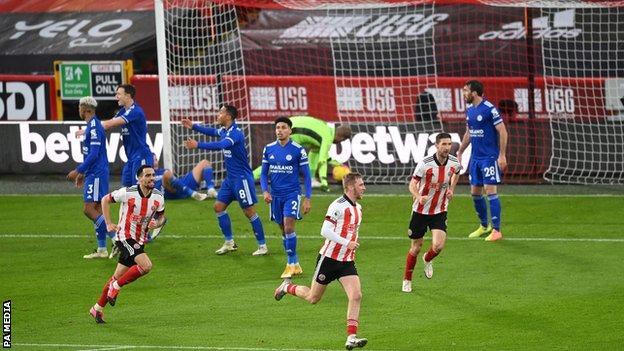 Sheffield United celebrate Oli McBurnie's (third from right) goal