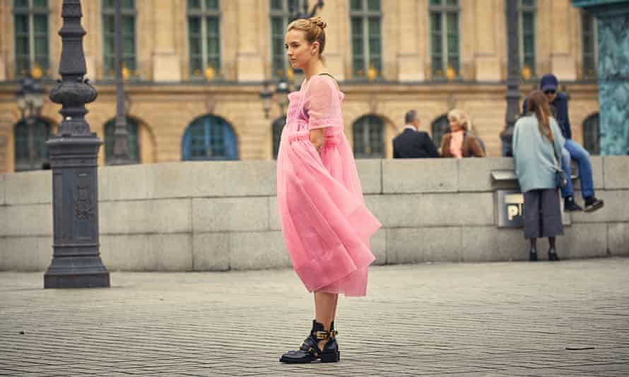 Jodie Comer wearing a pink Molly Goddard dress in Killing Eve