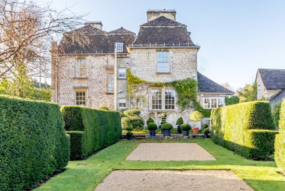 The fanciest Bridgerton inspired staycation spots in the UK Picture: supplied to metro.co.uk