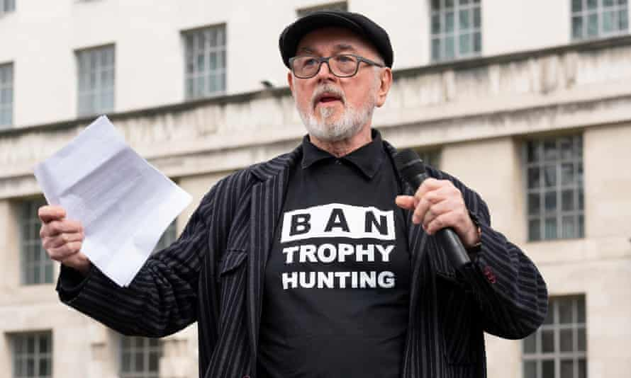 Peter Egan speaking at a march against trophy hunting in London