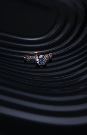 Different Factors Affecting the Diamond Ring Price You Need to Know