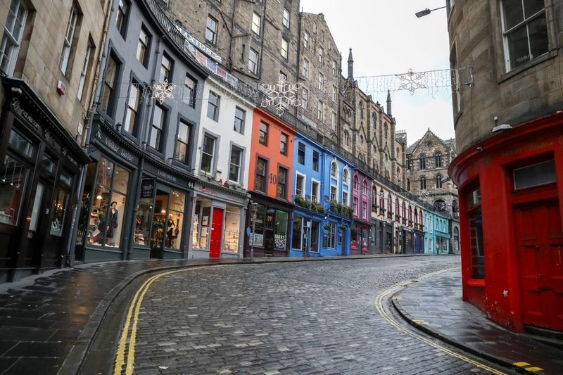 © Reuters. FILE PHOTO: The outbreak of the coronavirus disease (COVID-19), in Edinburgh