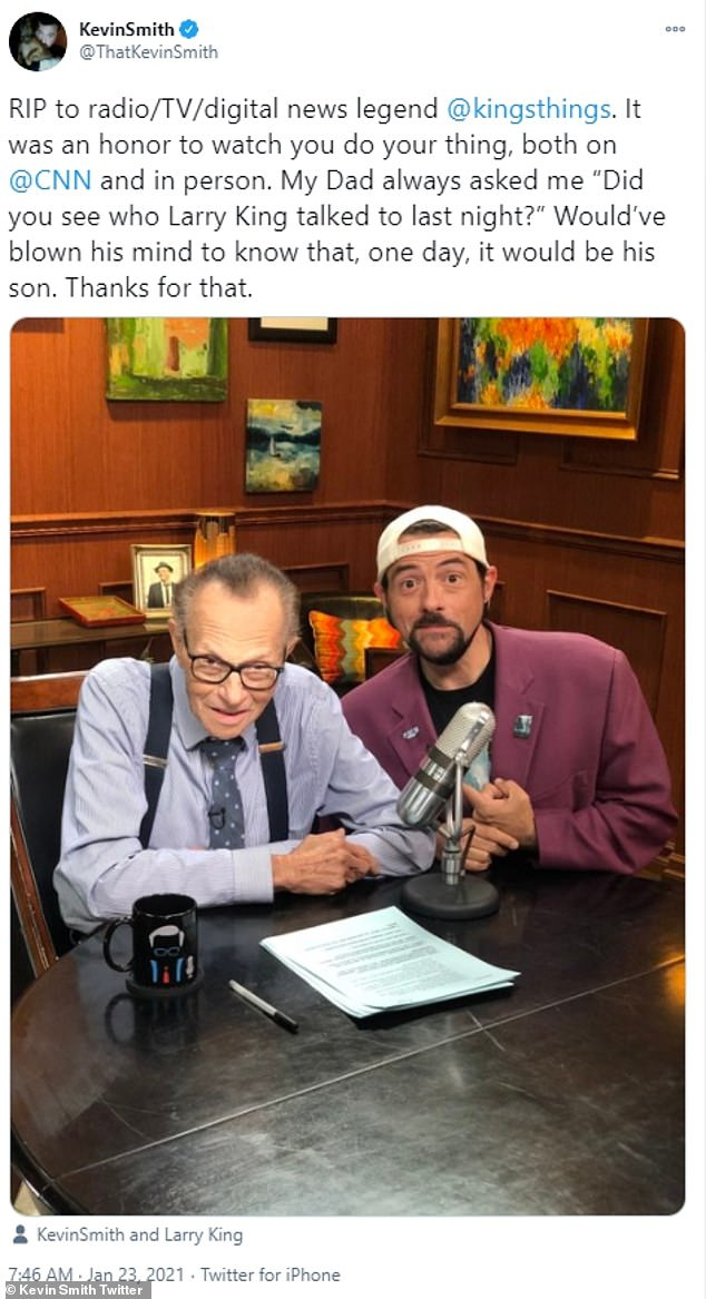 Director and actor Kevin Smith reminisced on talking about Larry King with his own later father, and Smith's visit to the show 'would've blown his mind'