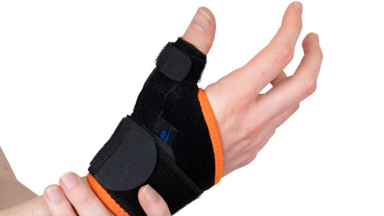 Immobilising the thumb can be a good solution.