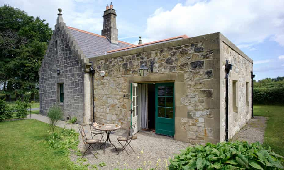 Magherintemple- lodge exterior