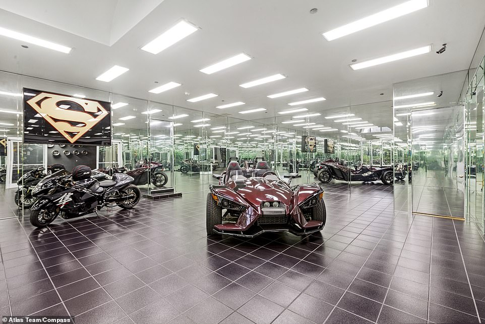 Need for speed: O'Neal is a car collector and enthusiast, so it's fitting that his home included a 17-car mirror-lined show room