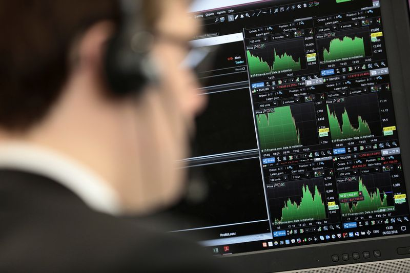 Healthcare stocks, recovery optimism push FTSE 100 higher