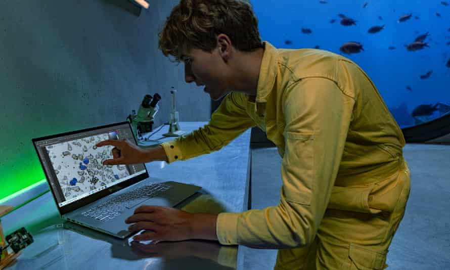 Fionn Ferreria, a 20-year-old Irish inventor, found a way to successfully remove 88% of microplastics from water samples.