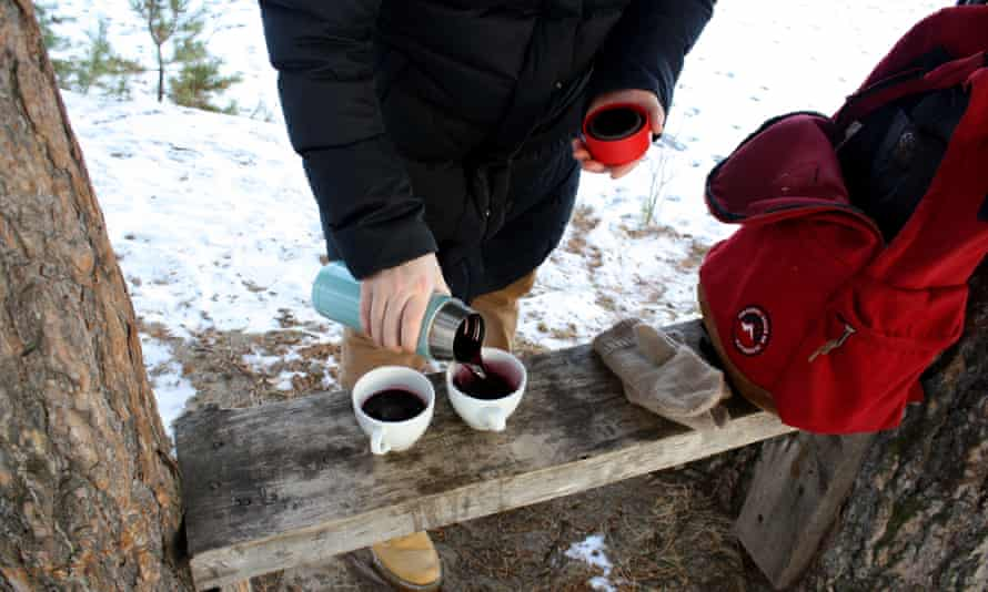 Mulled wine … keep it warm in a Thermos.
