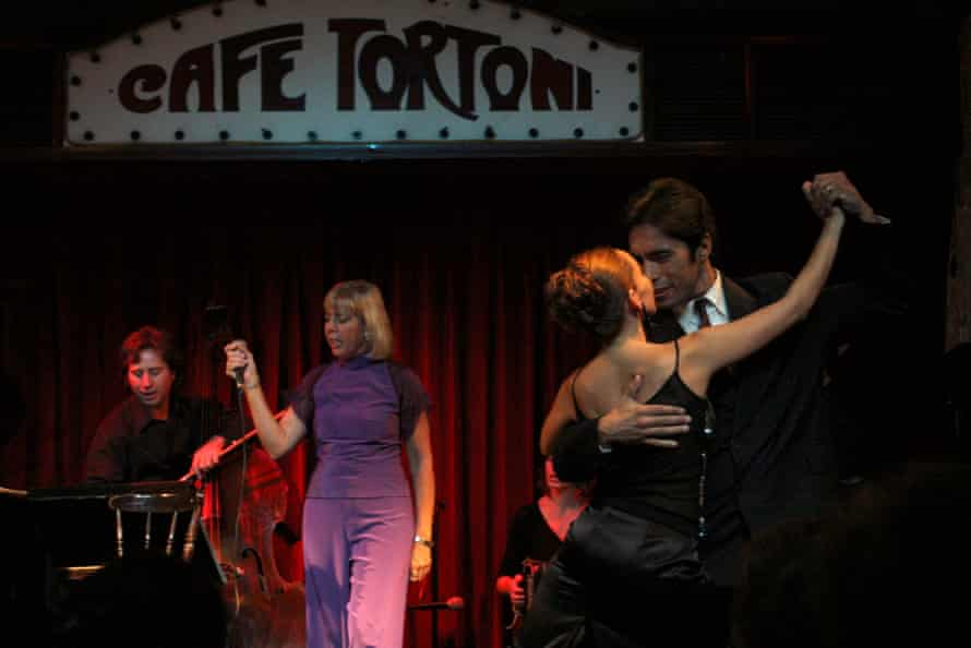 Cafe Tortoni – a live tango hotspot in Buenos Aires, founded in 1958