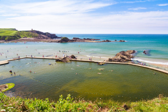 D15MKR The large tidal bathing pool at Bude North Cornwall England UK