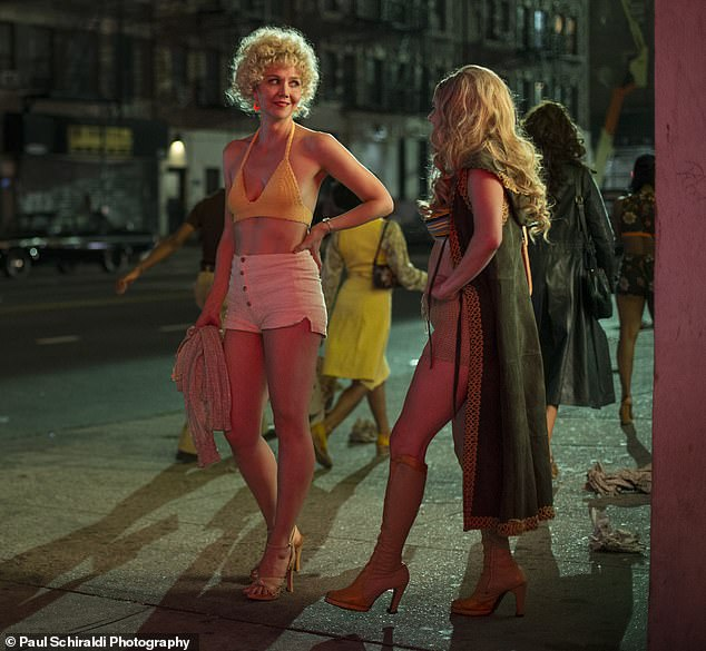 She sure has great legs: Onu00A0 The Deuce - Gyllenhaal as Candy/Eileen