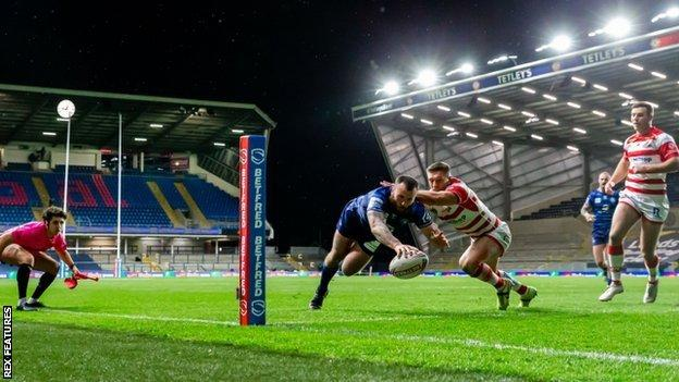 Jake Bibby gave Wigan hope with the first of two unconverted tries against Leigh just before the break