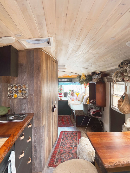 Family spend £11k renovating old bus to quit the rat race and travel America