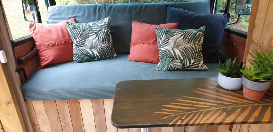 Cosmo interior - sofa and table