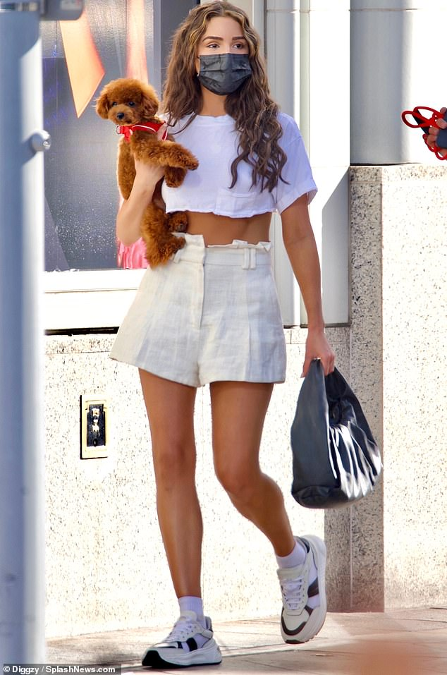 When you got it:The 28-year-old bombshell showed off her legs in a high-waisted pair of fashionably wide-set white shorts for her latest outing