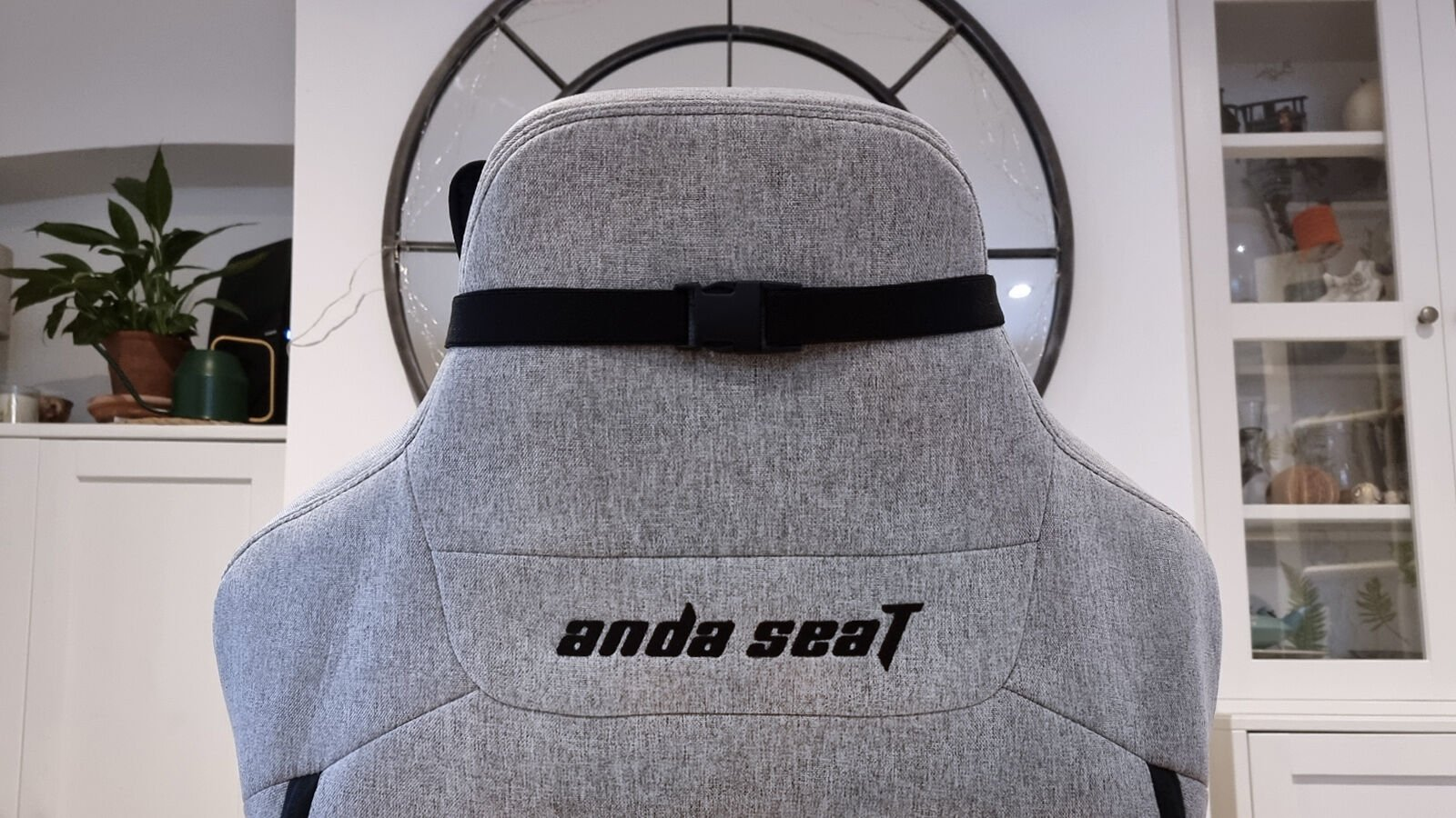 AndaSeat T Pro 2 neck pillow back