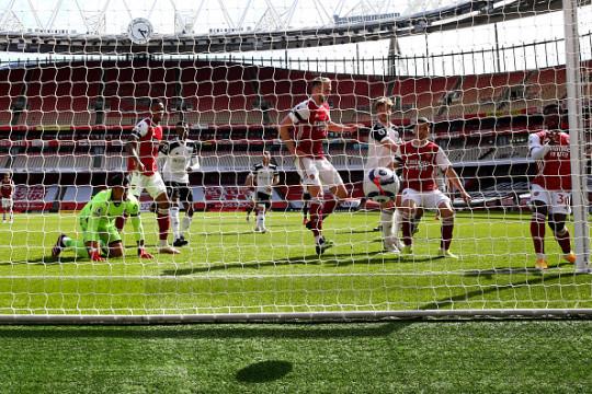 Gary Neville take swipe at Arsenal over European Super League inclusion