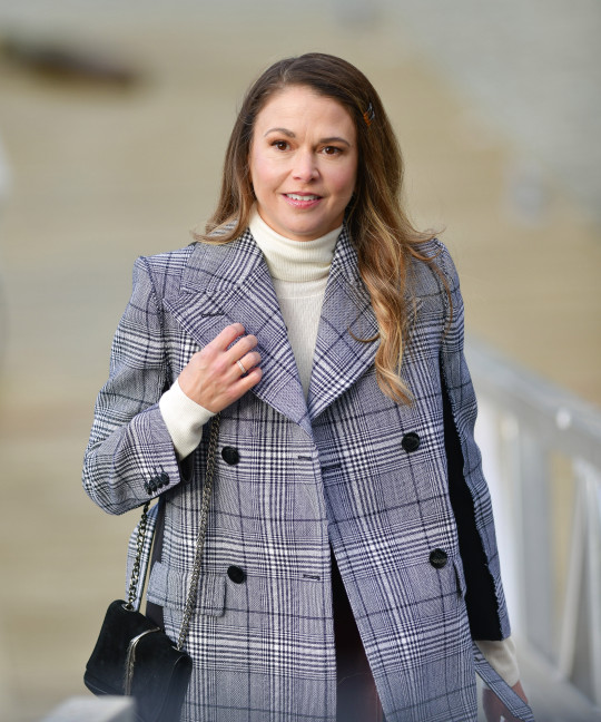 Sutton Foster filming Younger